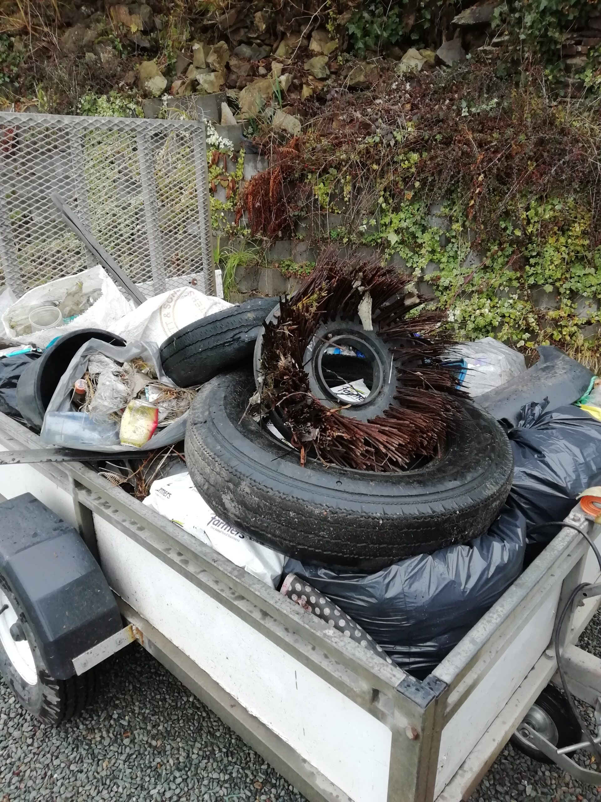 Trailer load of Fly-tipped Waste along A595