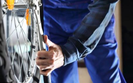fitting bike wheel