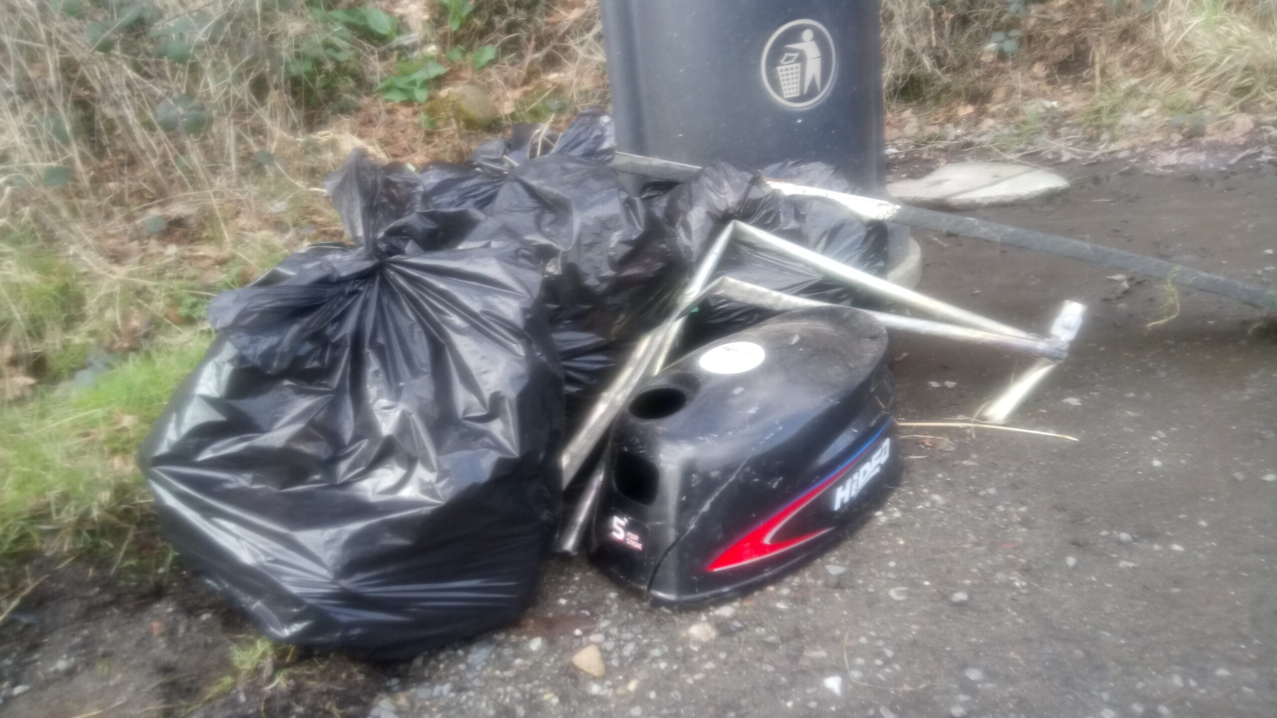 Litter and fly-tipping at Furnace Woods
